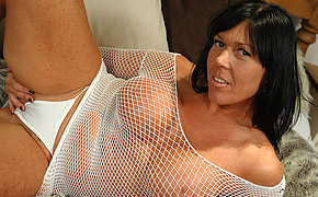 Playful mature Peaches enjoys getting lustful