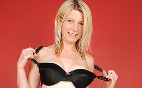 Blonde mature banging her toy