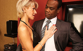 Hottest mom want wild ebony bang