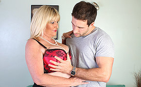 This large mom adores to get nailed hard and fast