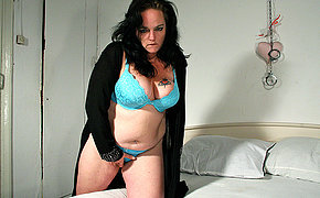 This filthy MILF enjoys to get wild and nasty
