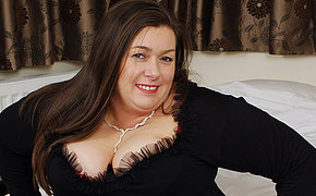 BBW British wife enjoys playing solo