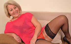 Cute MILF wife still adores to bang with herself