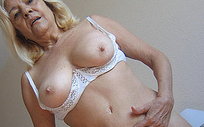 Blonde old chick woman gets dirty with sex toys
