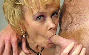Lustful wife screams from the strong orgasm