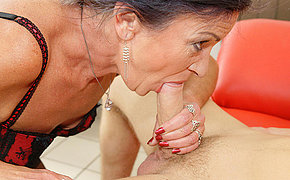 Anal loving granny gets a big load of cum
