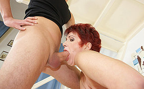 Lustful MILF chick gets a strong orgasm