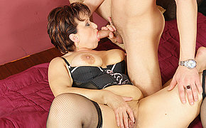 Hot granny gets creampied nicely