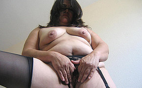Get a taste of this fat hairy MILF pussy