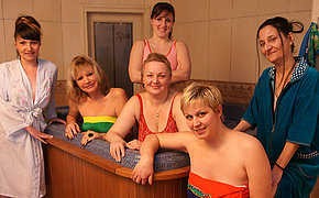 Wild matures have fun in an all female sauna